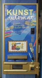 Machine distributrice vendant objets originaux d'art.