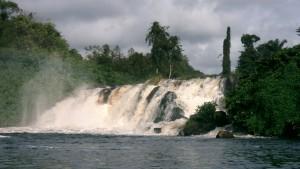 Les chutes de la Lobé, endroit très emblématique de la richesse du Cameroun.